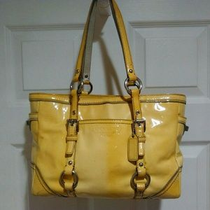 Coach F06Q-10380 Patent Leather Yellow Bag!